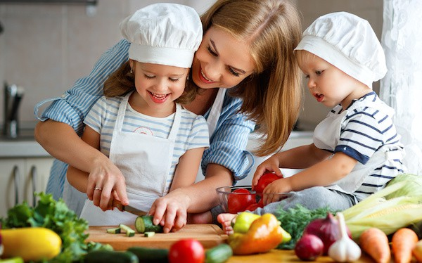 Maintaining Healthy Diets for Kids During COVID-19